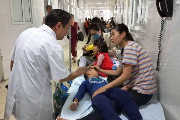 Tin giáo dục ngày 23/12: Gần 60 trẻ mầm non nhập viện sau bữa ăn trưa 1