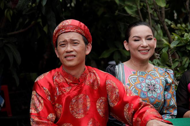 Danh hài Hoài Linh tái xuất, trở thành 'chồng' của ca sĩ Phi Nhung 1