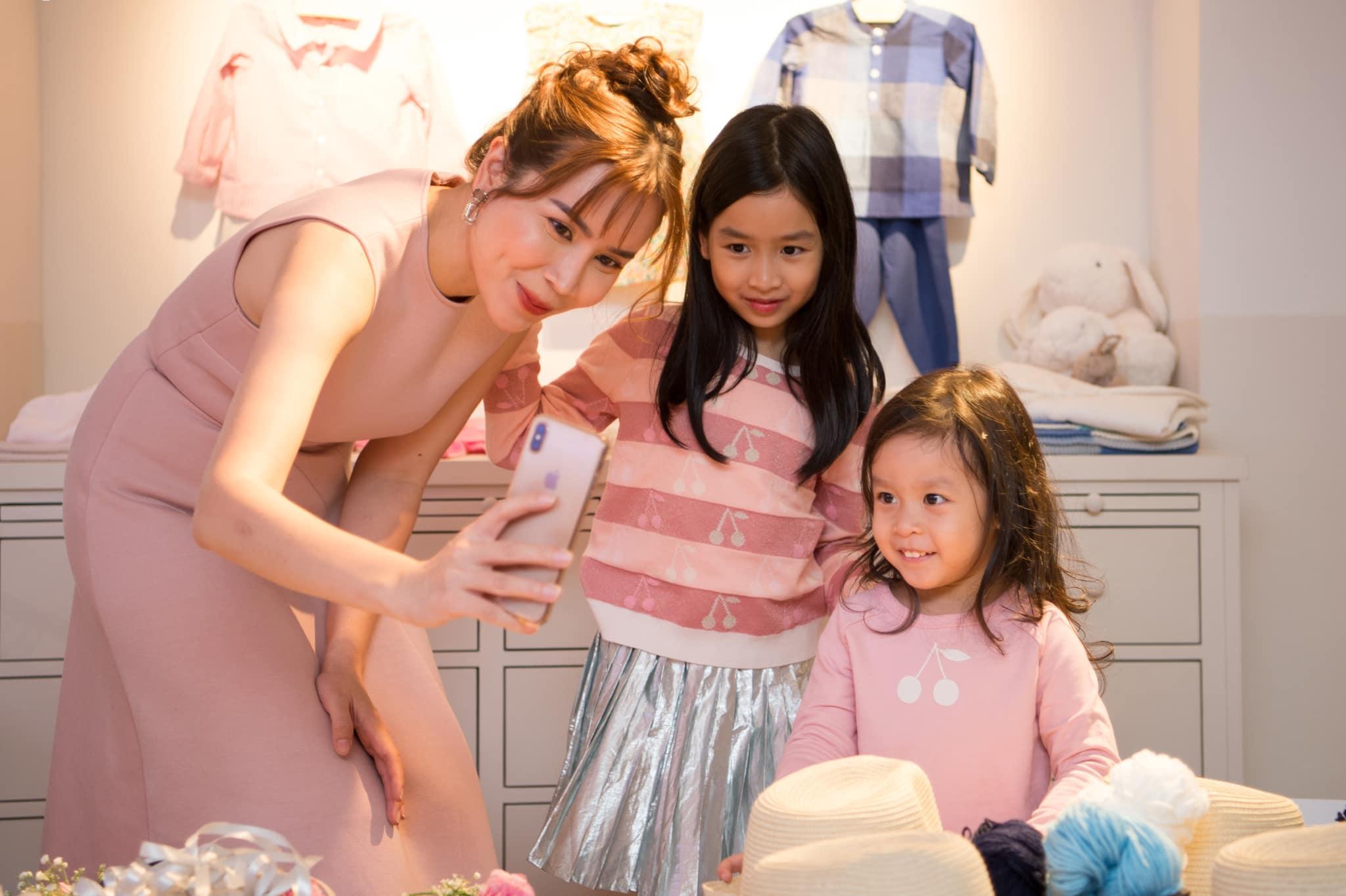 Ái nữ nhà Lưu Hương Giang: Mới 8 tuổi đã xinh xắn ra dáng mỹ nhân 1