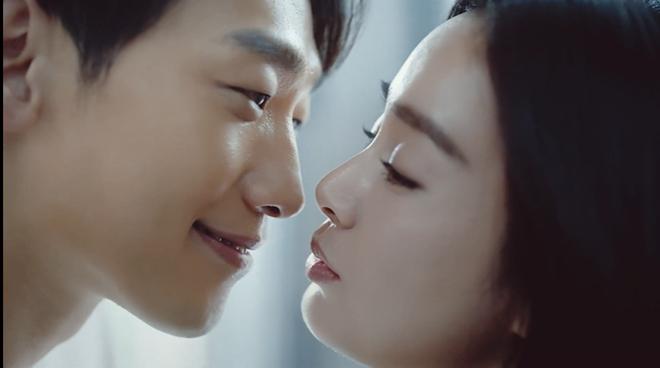Bi Rain và Kim Tae Hee tung clip ngọt ngào, lộ cảnh 'giường chiếu' gây sốt 1