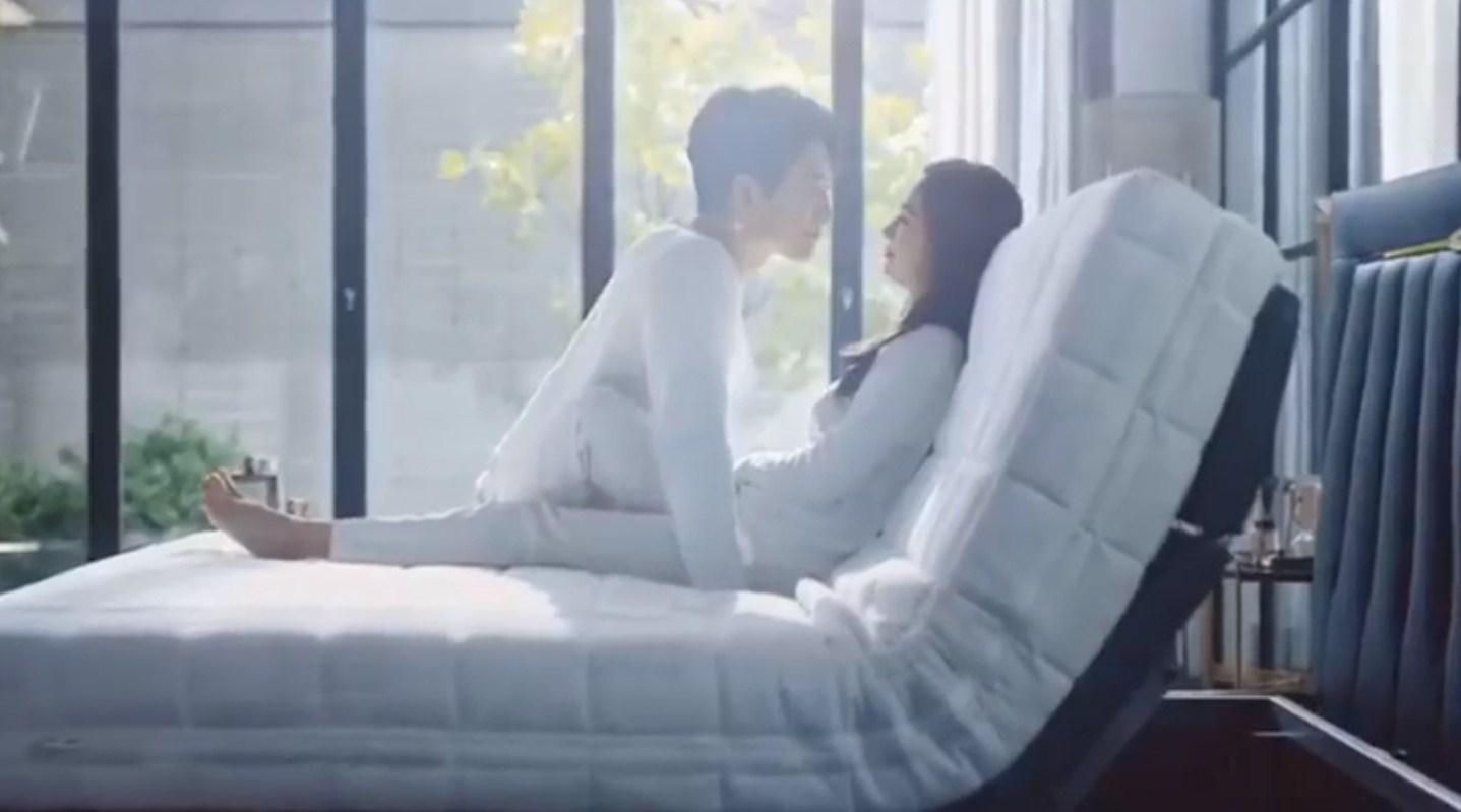 Bi Rain và Kim Tae Hee tung clip ngọt ngào, lộ cảnh 'giường chiếu' gây sốt 3