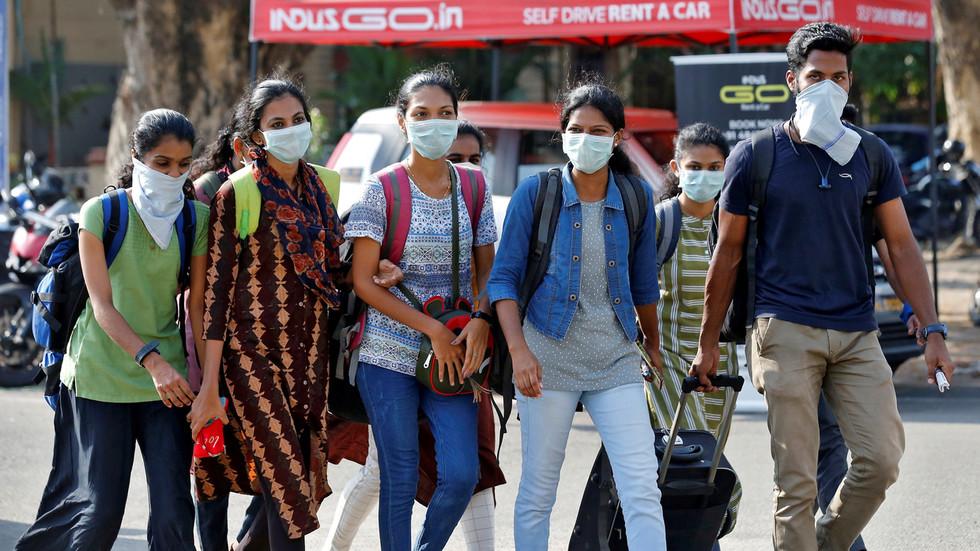 Chuyên gia y tế dự đoán: 800 triệu người Ấn Độ có thể nhiễm Covid-19 1
