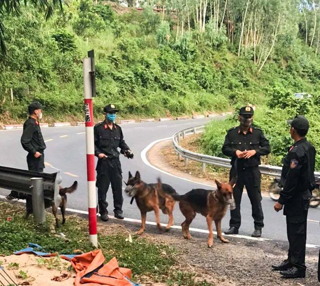 Hàng trăm cảnh sát phong tỏa đèo Hải Vân, vây bắt phạm nhân vượt ngục lần 2 2
