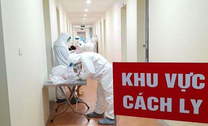 TP.HCM rà soát gần 6.000 người về từ Đà Nẵng, cách ly 33 trường hợp viêm đường hô hấp 2