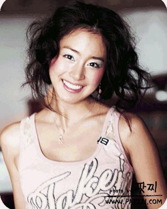 Kim Tae Hee lộ loạt ảnh xấu hổ, không dám nhìn lại trước khi cưới Bi Rain 6