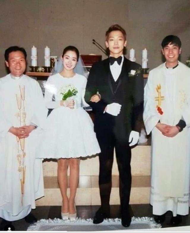 Kim Tae Hee lộ loạt ảnh xấu hổ, không dám nhìn lại trước khi cưới Bi Rain 7