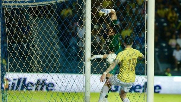 Chân dung thủ môn 'giúp' Việt Nam chiến thắng: Chơi bóng tại châu Âu, đắt gấp đôi Văn Lâm 2