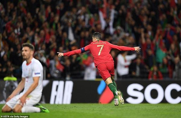 'Siêu nhân' Ronaldo lập hat-trick, Bồ Đào Nha lọt vào chung kết UEFA Nations League 3