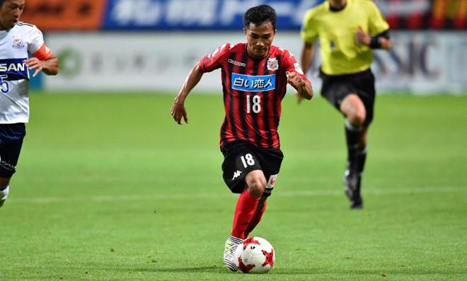 CĐV Thái Lan lên tiếng thừa nhận: Công Phượng đã vượt mặt ngôi sao bóng đá số 1 nước nhà 1
