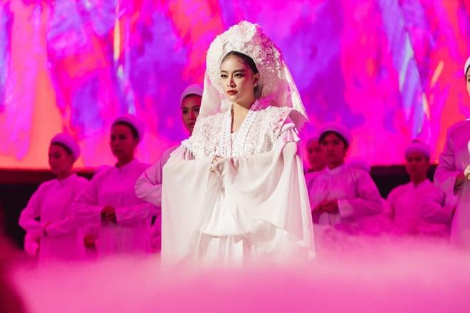 Lời bài hát 'Tứ Phủ': Lạc vào thế giới ma mị của Hoàng Thùy Linh 1