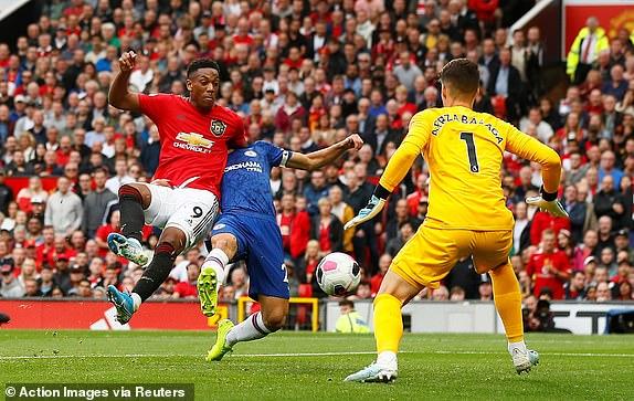 M.U 4-0 Chelsea: Siêu phòng ngự phản công, Quỷ Đỏ bùng nổ 2