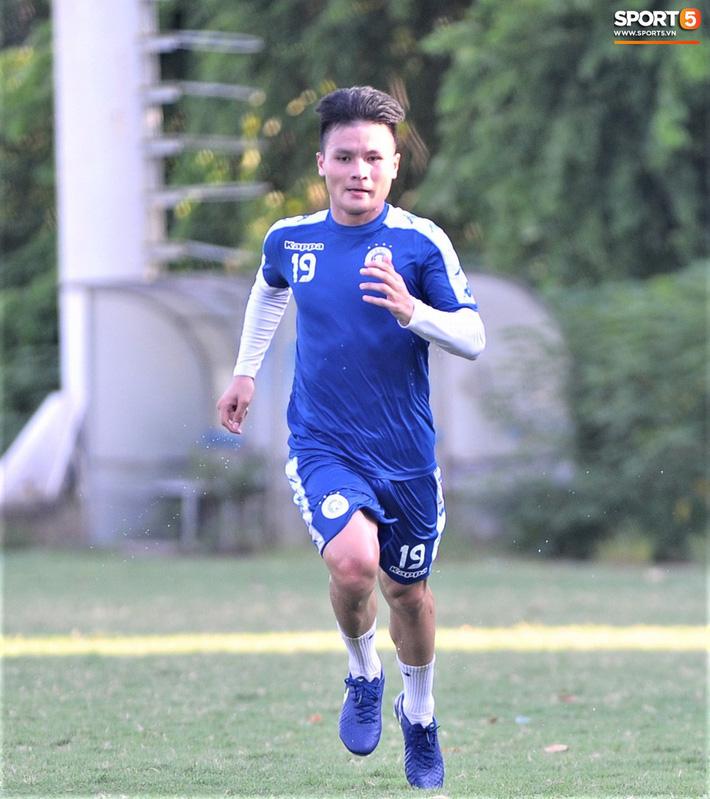 Quang Hải trở lại sau nỗi đau mất ông nội, quyết tâm cùng Hà Nội FC làm nên lịch sử 3