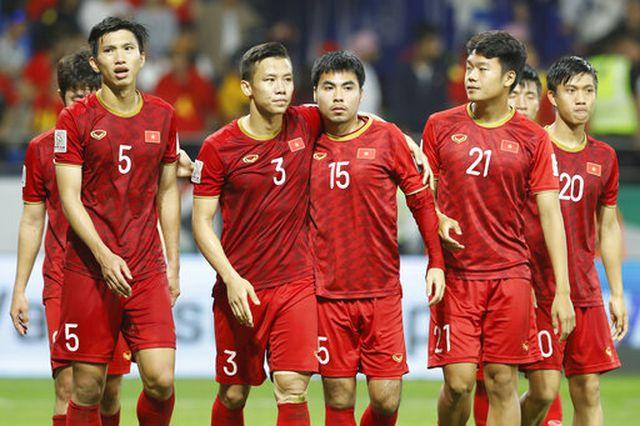 Người Thái phải hạ giá bản quyền trận Thái Lan vs Việt Nam tại World Cup 1