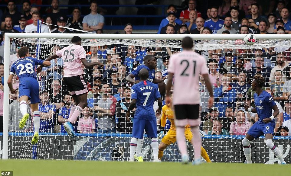 Kết quả bóng đá hôm nay 19/8: PSG thua sốc, Chelsea hòa may mắn 2