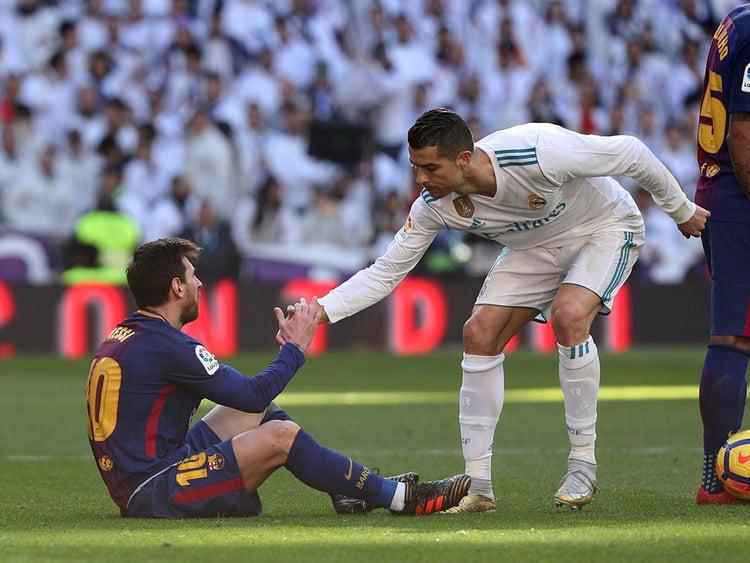 Ronaldo sẵn sàng đi ăn tối cùng Messi, dẹp tan mọi hiềm khích do CĐV tự thêu dệt nên  2