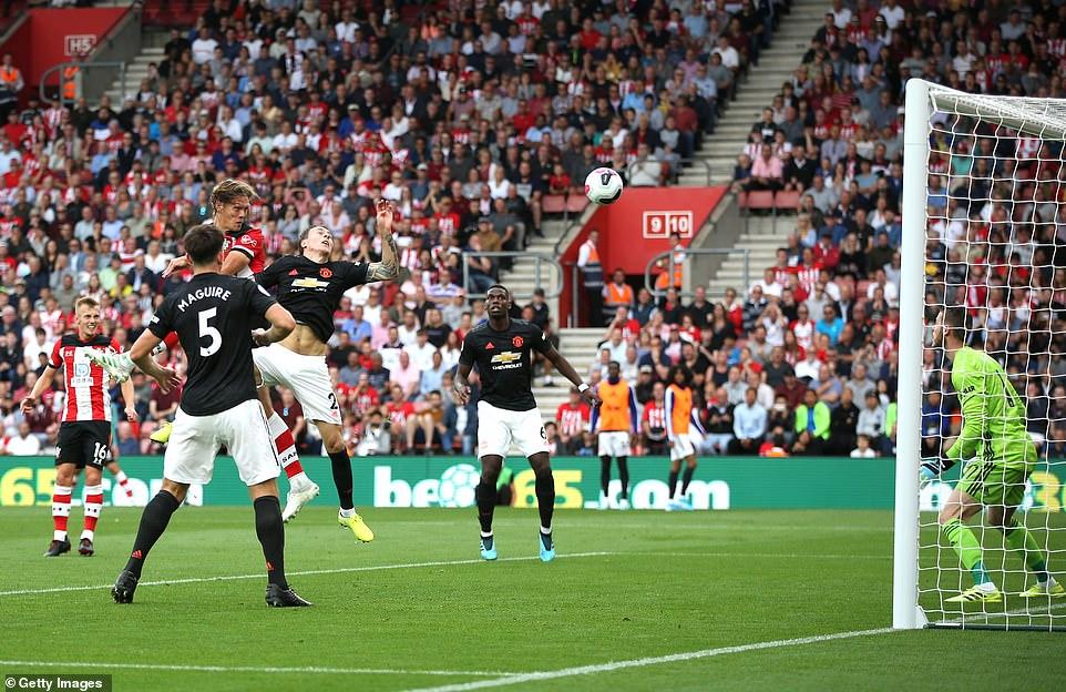 Southampton 1-1 M.U: Nỗ lực tột cùng, kết quả đáng thất vọng 2