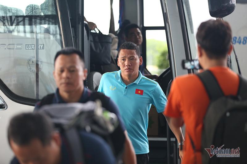 HLV Park Hang Seo loại 3 cầu thủ, ĐT Việt Nam hừng hực khí thế lên đường sang Thái Lan  5