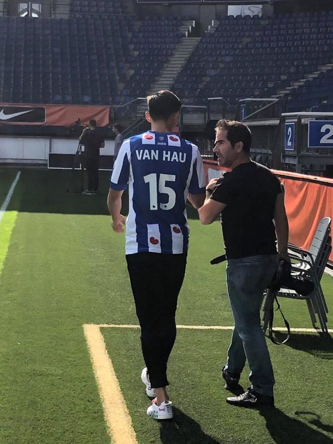 Văn Hậu chính thức gia nhập Heerenveen với số áo 15, được sếp lớn khen ngợi hết lời 3