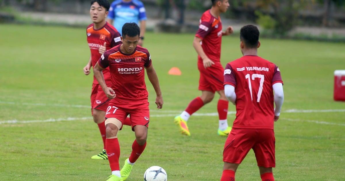 ĐT Việt Nam loại thêm 1 cầu thủ trước trận đấu với Thái lan 1