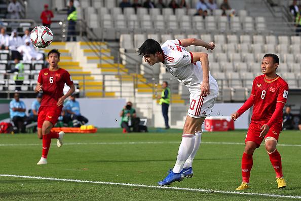 Tiền đạo từng sút tung lưới ĐT Việt Nam vừa có bàn thắng tại cúp C1 châu Âu 2