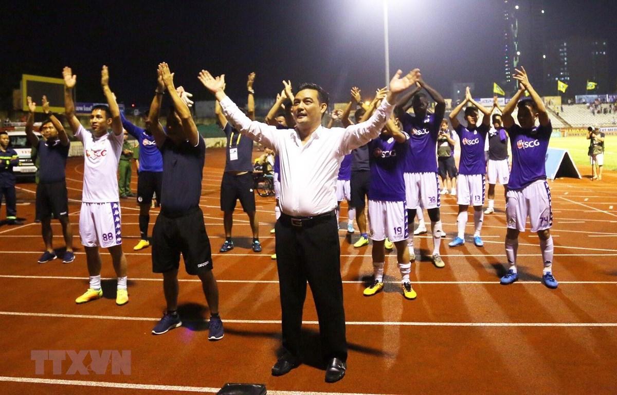 Hà Nội FC vô địch V.League, Bùi Tiến Dũng vẫn chẳng thể vui mừng 1