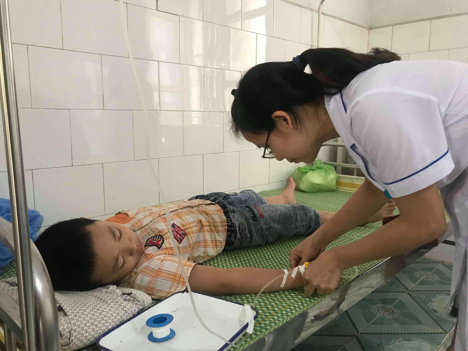 Hải Dương: 68 học sinh tiểu học nhập nghi ngộ độc thực phẩm sau bữa ăn trưa 1