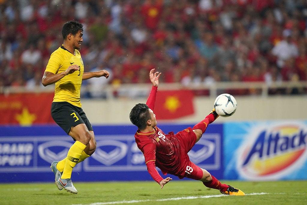 ĐT Việt Nam tri ân Xuân Trường, Quang Hải nhận 'triệu like' từ cầu thủ Malaysia với hành động đẹp  3