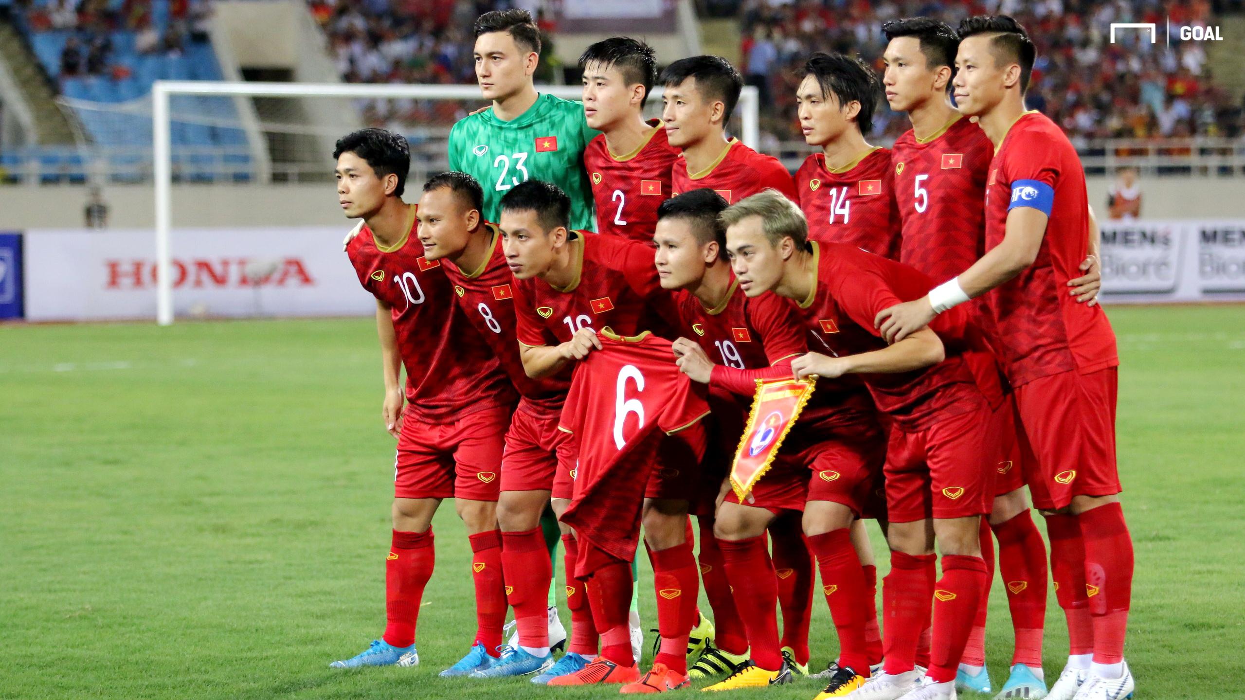 ĐT Việt Nam tri ân Xuân Trường, Quang Hải nhận 'triệu like' từ cầu thủ Malaysia với hành động đẹp  1