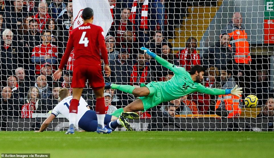 Tổng hợp kết quả Ngoại hạng Anh (27/10): Arsenal sảy chân, Liverpool giữ vững ngôi đầu 1