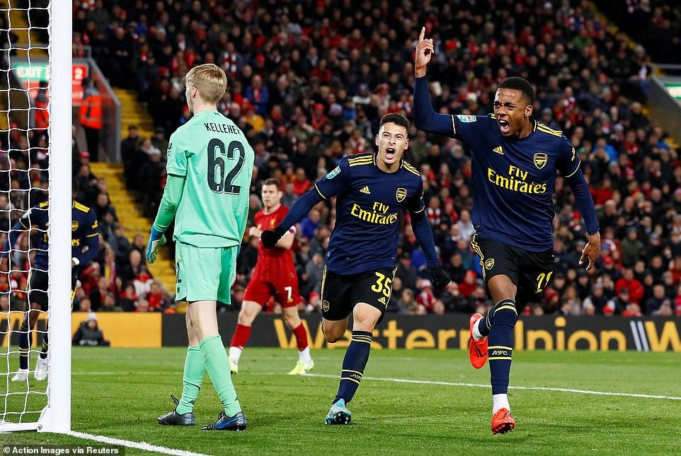 Rượt đuổi tỷ số nghẹt thở, Liverpool đánh bại Arsenal sau loạt sút luân lưu 3