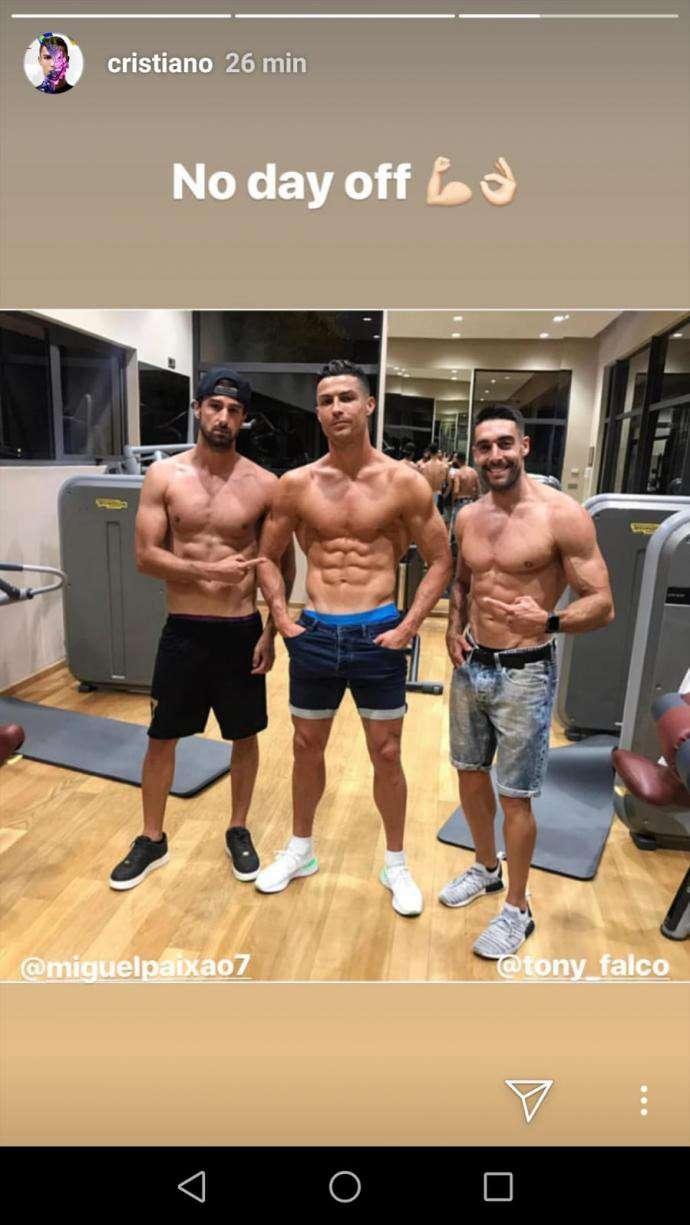 Vén màn bí ẩn về thói quen sinh hoạt biến Ronaldo thành 'cỗ máy vĩnh cửu' ở tuổi 34  2