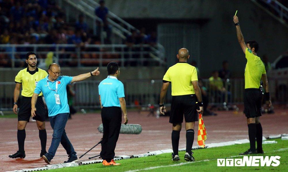 HLV Park Hang Seo có thể bị tước quyền chỉ đạo trong trận đấu gặp Thái Lan  2