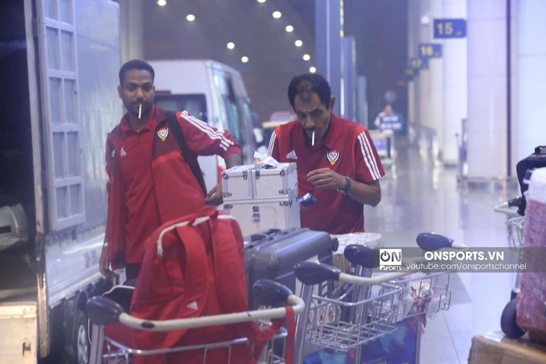 ĐT UAE đến Việt Nam lúc nửa đêm, chê sân bãi đội chủ nhà  5