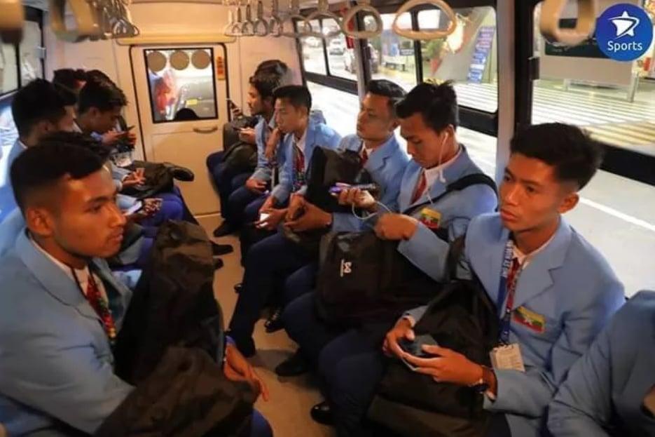 SEA Games 30: U22 Timor Leste bị BTC quên đón, phải ngồi chờ hơn 3 tiếng tại sân bay 2