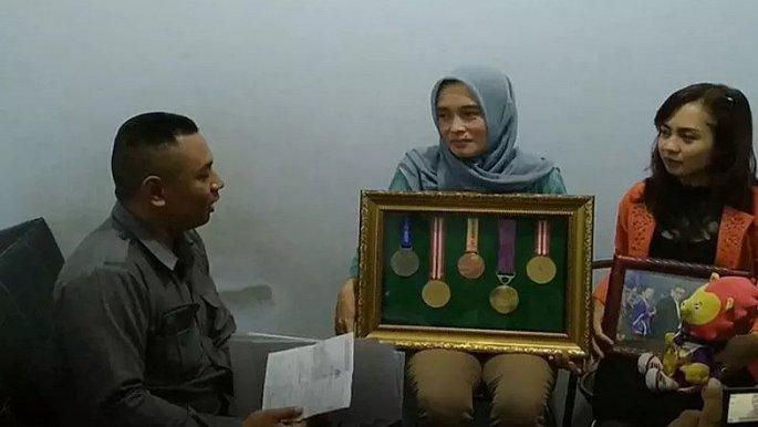 Nữ VĐV Indonesia bị loại khỏi SEA Games vì bị nghi đi chơi đêm, không còn là trinh nữ  1