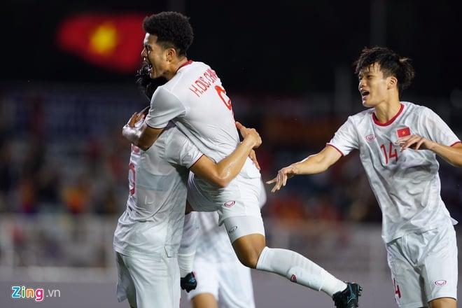 U22 Việt Nam vs U22 Singapore (Hết giờ): Đức Chinh lập công  1