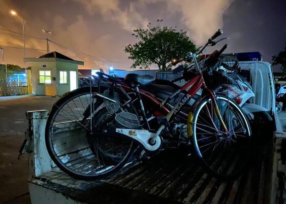 Người đàn ông Trung Quốc bị phạt 500.000 đồng, tạm giữ xe đạp vì vi phạm nồng độ cồn  2