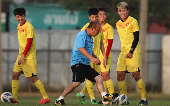 HLV Park Hang Seo đáp trả tuyên bố 'bắt bài U23 Việt Nam' của HLV UAE  2