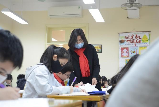 Hà Nội cho học sinh nghỉ thêm 1 tuần để ngăn ngừa dịch virus corona lây lan  1