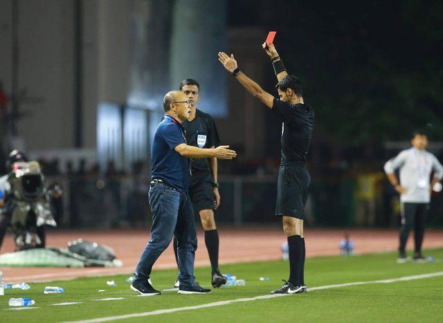 HLV Park Hang Seo nhận án phạt nặng nhất sự nghiệp vì hành động sốc với trọng tài  1