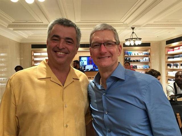 Apple tiếp tục gặp 'vận hạn': CEO nghi nhiễm Covid-19, bị phạt 1,2 tỷ USD tại Pháp  1