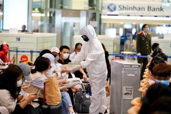Gần 7.000 Việt kiều từ châu Âu về nước trong ngày 18/3 1