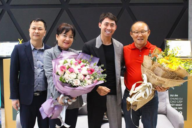 HLV Park Hang Seo tậu căn hộ tiền tỷ tại Việt Nam  1