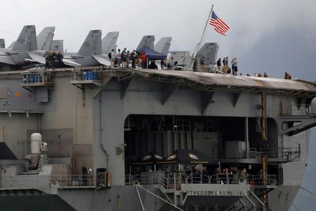 Bộ Ngoại giao lên tiếng về 3 ca dương tính Covid-19 trên tàu sân bay Mỹ khi thăm Việt Nam  2