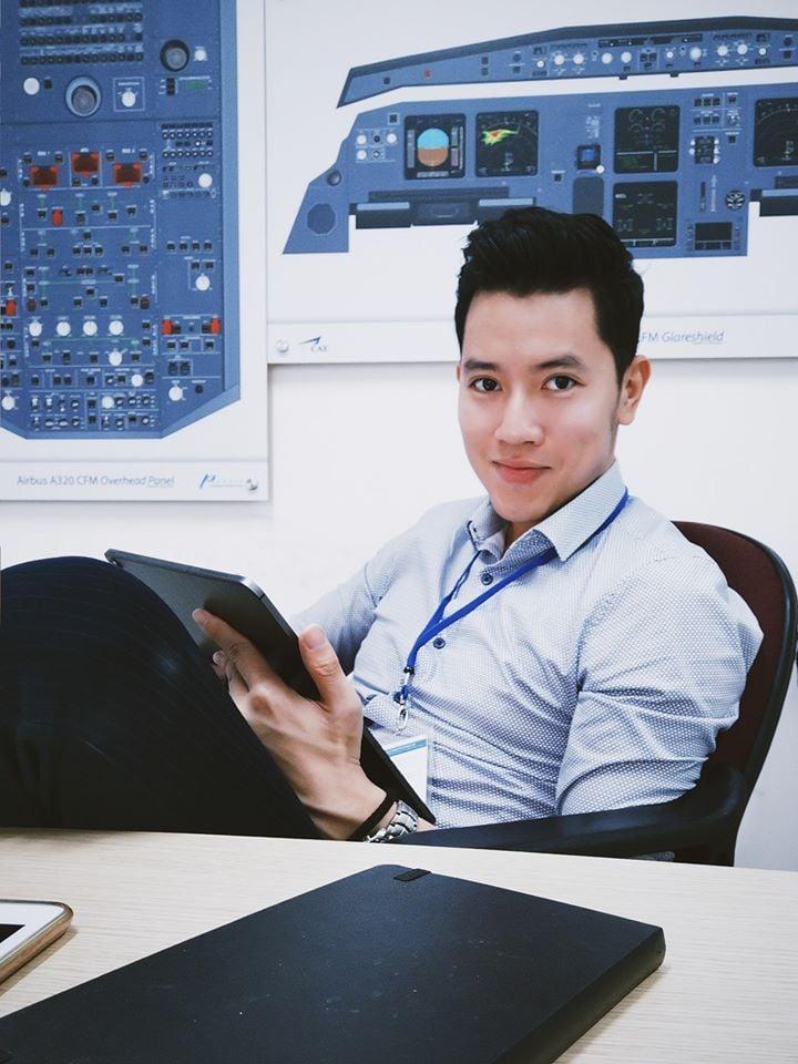 'Cơ trưởng đẹp trai nhất Việt Nam' hé lộ phí học tập và thu nhập khủng của nghề phi công 1