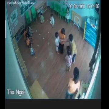 Vụ ông bố lao vào đánh bé gái 2 tuổi vì con bị giành đồ chơi: Công an phường vào cuộc 3