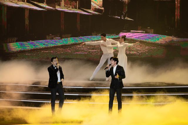 Lam Trường - Đan Trường đã nói gì với nhau trong khoảnh khắc song ca lịch sử tại Bán kết Hoa hậu Việt Nam 2020? 1