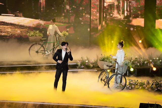 Lam Trường - Đan Trường đã nói gì với nhau trong khoảnh khắc song ca lịch sử tại Bán kết Hoa hậu Việt Nam 2020? 3