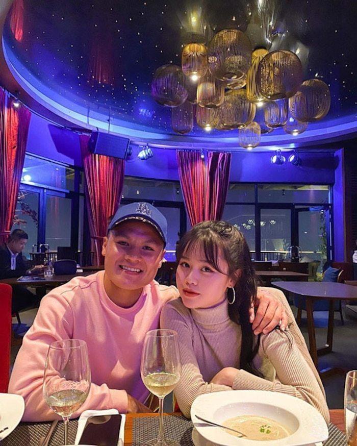 Bạn thân Huỳnh Anh vạch trần bộ mặt thật của Quang Hải: Khi dính phốt thì cầu xin, yêu rồi vẫn nhắn tin với gái lạ? 4
