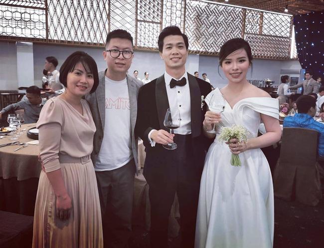 Công Phượng thuê hẳn sân bóng để tổ chức đám cưới, hé lộ những hình ảnh đầu tiên của 'hôn lễ khủng nhất Nghệ An' 3